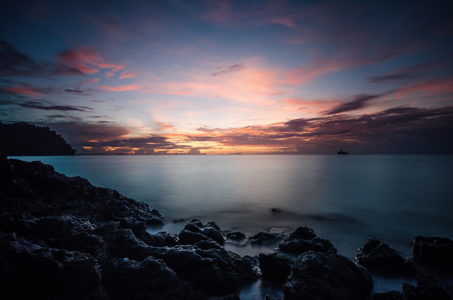 ocean-view-1082081_1920.jpg
